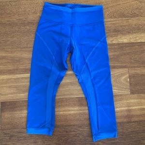 LULULEMON royal blue cropped legging